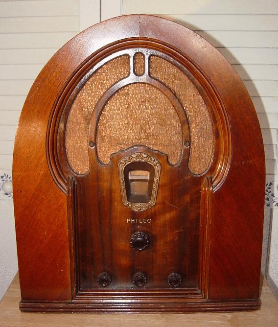 Philco Model 18b Cathedral Style Tube Radio 1933
