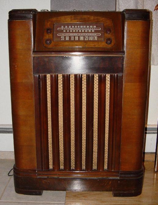 Philco 47 1227 Floor Model Phonograph Amp Radio