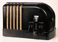 Airline Model 350 Streamliner Radio (1938)