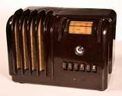 Airline 93WG-602B Brown Bakelite Table Radio (1939)