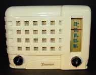 Emerson 540A (ivory plaskon) Compact Table Radio (1947)