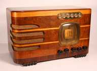 Fada 358 Table Radio (1937)