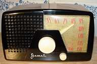 Jewel 956 Plastic Table Radio (1950)