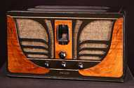 Philco 45C 'Butterfly' Compact Table Radio (1934)
