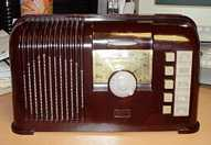 Zenith 6-D-413 ( 6D413) Bakelite Table Radio (1940)