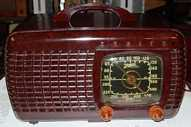 Zenith 6-D-520 (6D520) Bakelite Table Radio (1941)