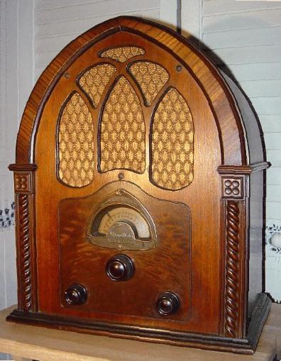 Atwater Kent Model 82 Cathedral Radio  1931