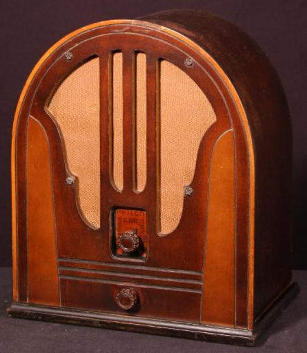 Philco 84B Cathedral Radio (Late, 1934/35)