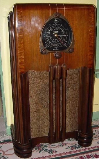 1937 Zenith Floor Radio Radios Models And Floors On