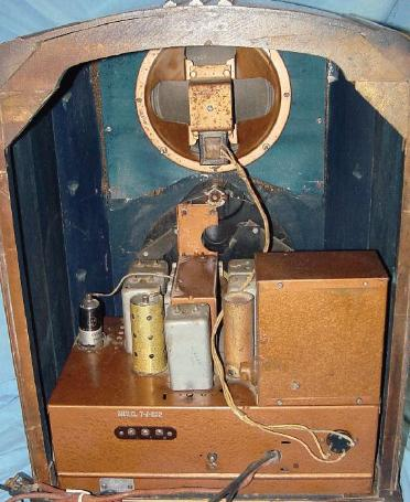 Zenith 7-J-232 Waltons Tombstone Radio Rear View (1938)