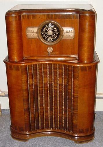 Zenith Model 8 S 463 Console Radio 1940